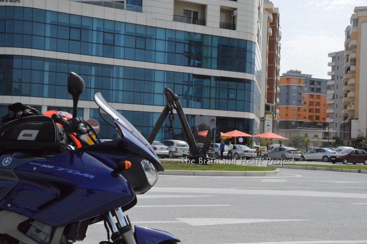 """Da Tirana a Saranda e ritorno. Storia di un """"raid"""" con una Yamaha TDM 900."""