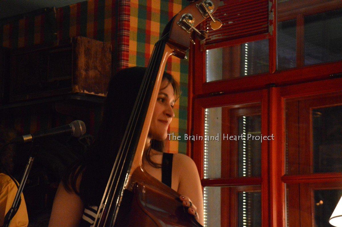 Linda Rukaj Radio Bar Tirana